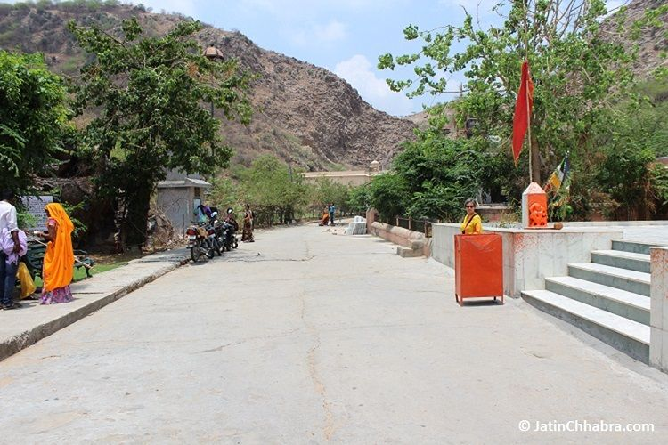 1st gate of Galta temple