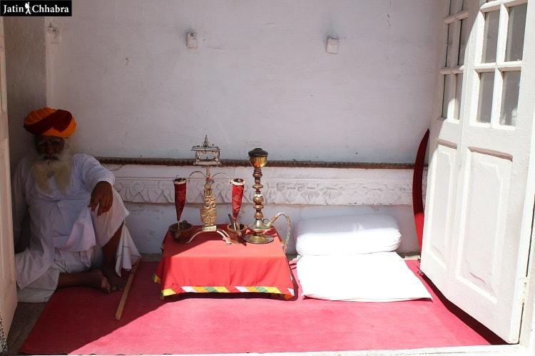 traditional Jodhpuri hookah