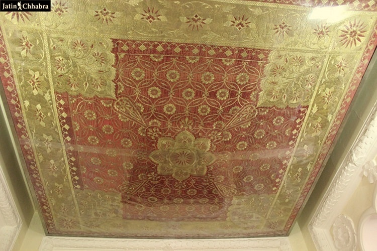 Carpets with Gold thread