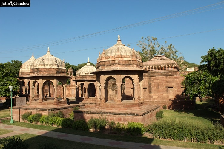 Cenotaphs at Mandore Gardens