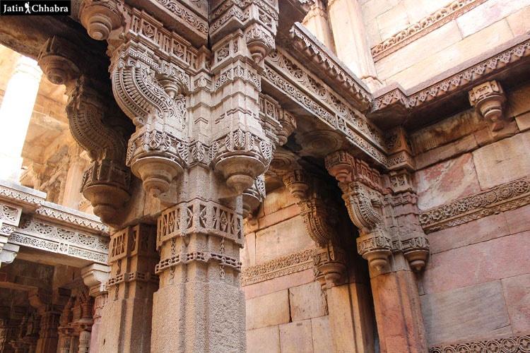 Pillars in Adalaj Vav