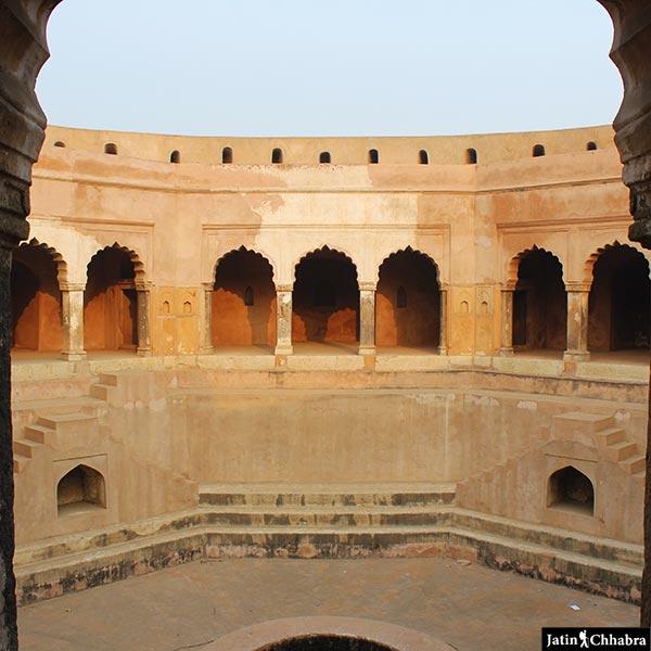 Baoli Ghaus Ali Shah