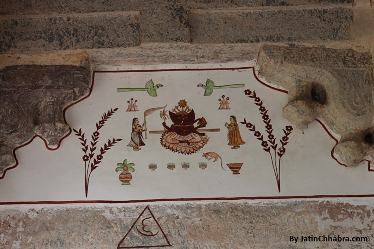 Wall paintings at Chaurasi Khambon ki Chhatri, Bundi