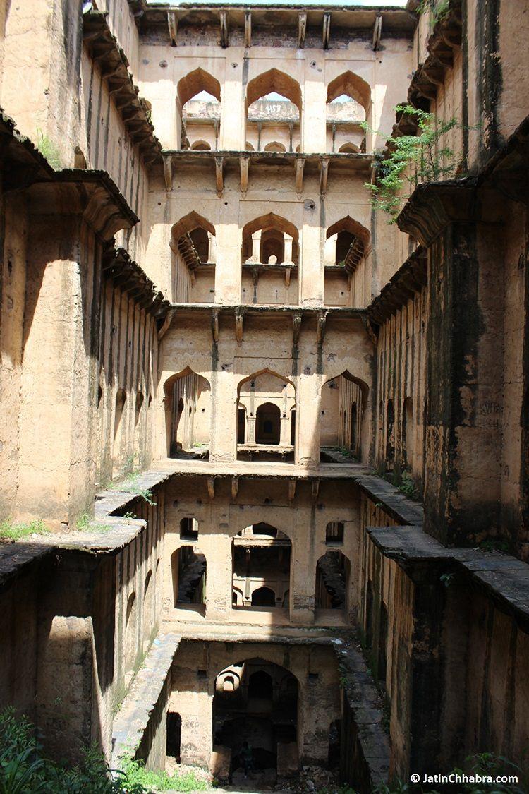 A sense of Neemrana Baoli from the last stair