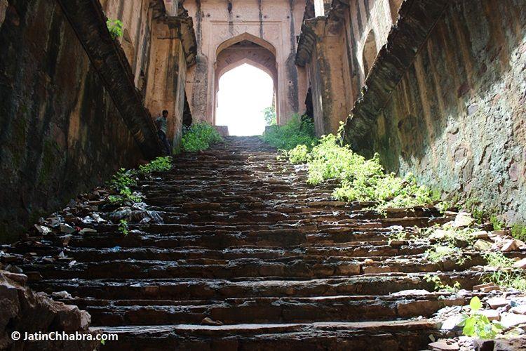 Main stairs of Neemrana Baoli from seventh floor