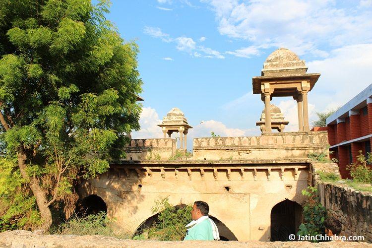 Mukundpura Baoli