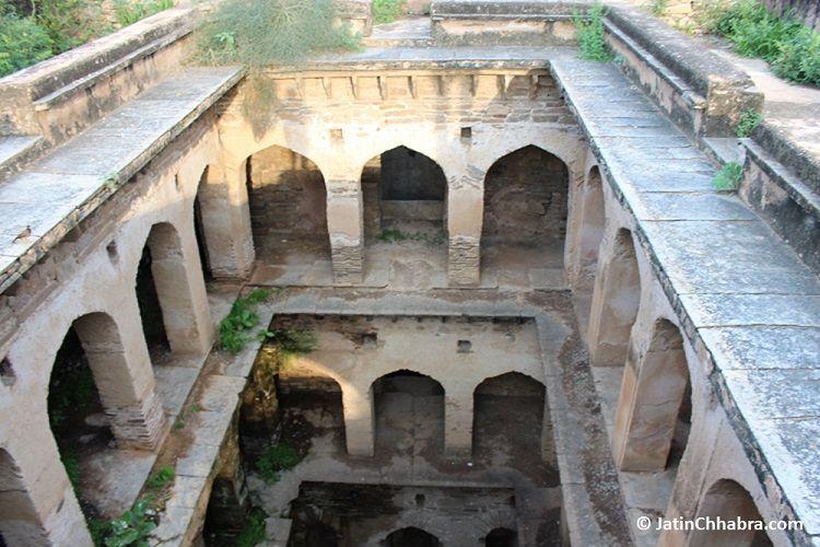 Mukundpura Baoli floors