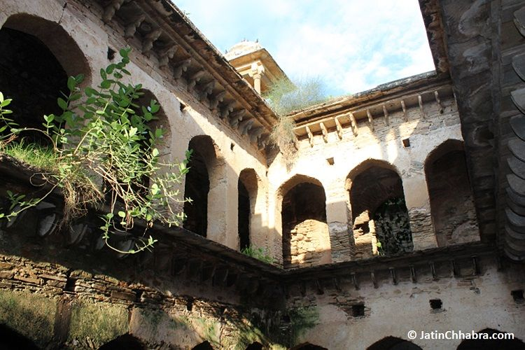 Mukundpura Baoli inside view