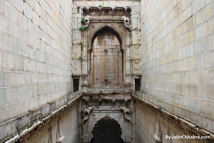 Raniji ki Baori 3rd floor Gate