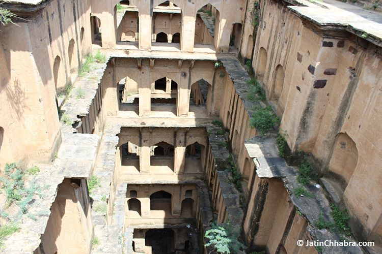View of 2nd, 3rd, 4th, 5th and 6th floor of Neemrana Baoli
