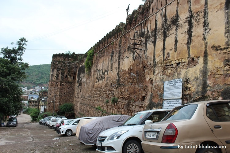 Parking area of Bundi Garh palace