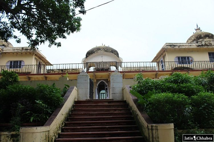 Entering stairs of Sukh Mahal