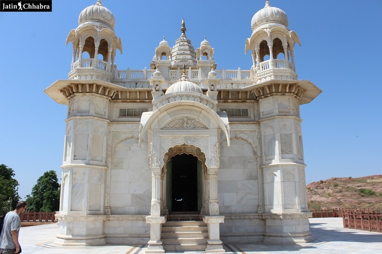 Gate to enter the complex of Jaswant Thada