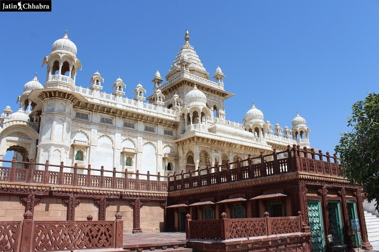 First close view of Jaswant Thada