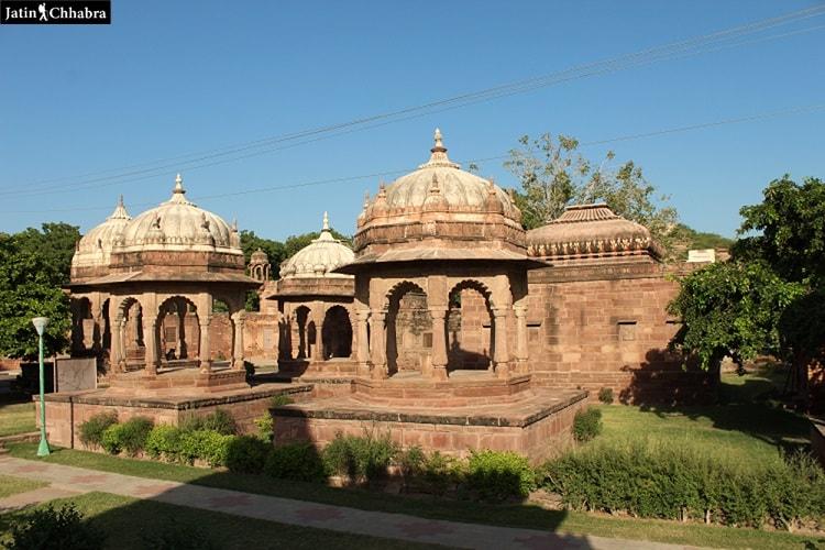 Cenotaphs at Mandore Gardens