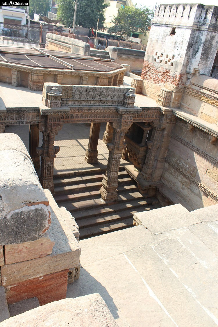 Adalaj Vav from top