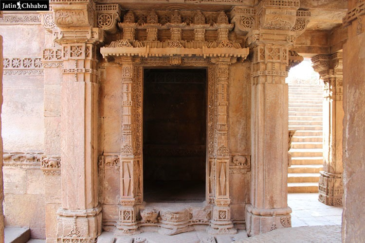 Right hand side gate type structure ar Adalaj Vav